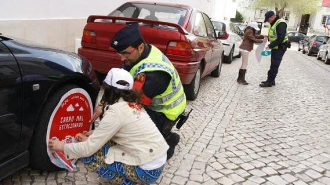 Campanha contra estacionamento abusivo