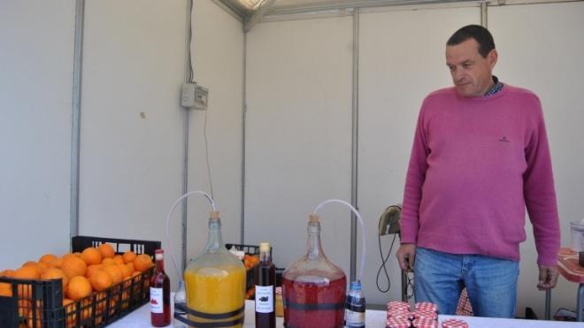Vinho de laranja tinto, uma novidade na Feira do Vinho e do Cante