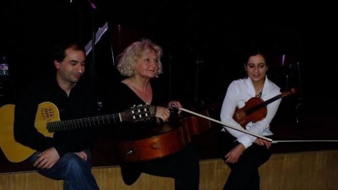 Trio D'Alva atuam hoje no Parque Vista Alegre
