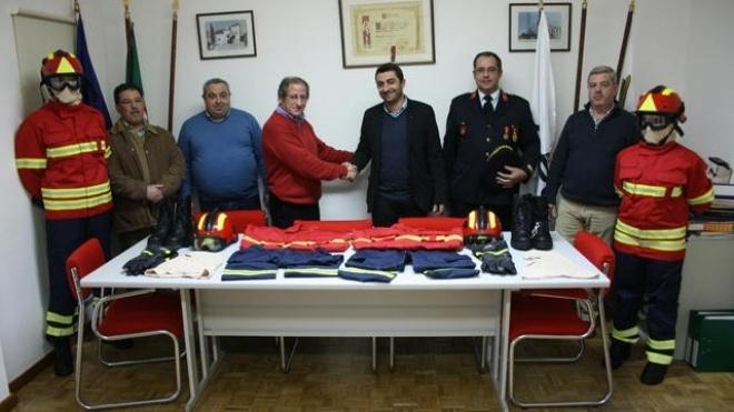 Autarquia de Serpa financia ambulância para bombeiros