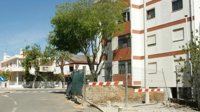 Câmara constrói muro junto ao IPJ
