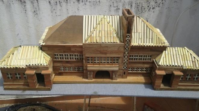 José Damásio, o artesão que passa os dias a construir réplicas em miniatura