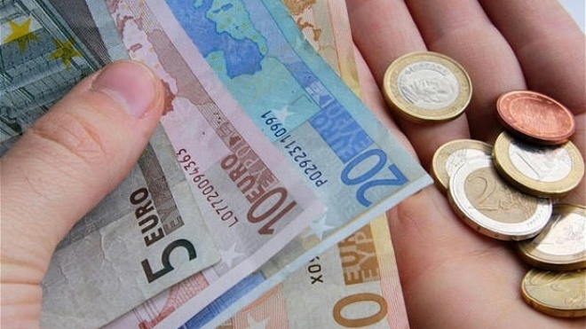 Só 4% dos portugueses poupa com regularidade