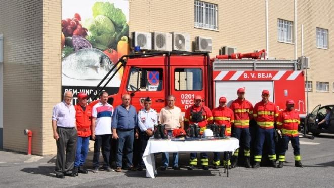 Mosqueteiros oferecem equipamentos aos Bombeiros Voluntários de Beja