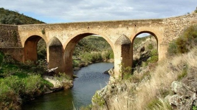 Circulação interdita na Ponte sobre a Ribeira da Totalga