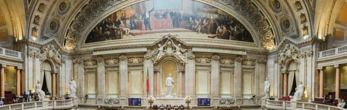 """DRA do PCP: """"grupo de deputados pró Alentejo do PS"""" é """"foguetório mediático"""""""