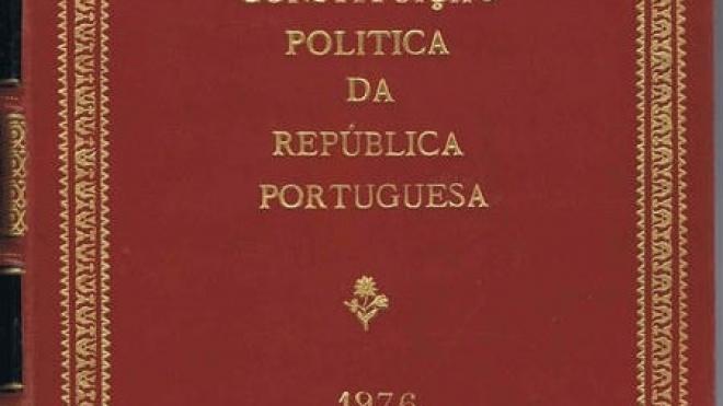 Assinalam-se hoje 38 anos da Constituição da República Portuguesa