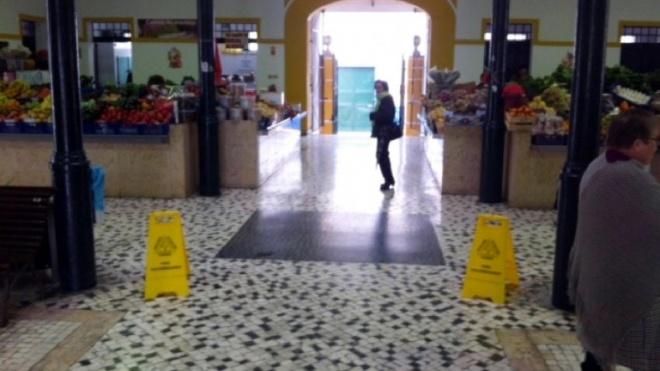 Mercado de Aljustrel mete água