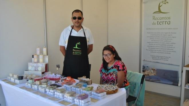 """""""Recantos da Terra"""" vende sabonetes de azeite na Feira de Cuba"""