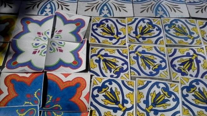 O brilho dos azulejos nas ruas de Beja