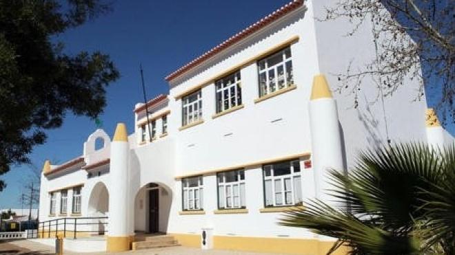 Santa Vitória e Mombeja contra encerramento de escolas