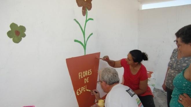 Flores projectam auto-estima no Bairro da Esperança
