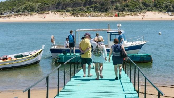 Passeios de Barco no Rio Mira ligam Vila Nova de Milfontes e Odemira