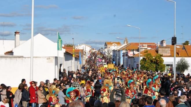 Cuba: Corso de Carnaval realiza-se esta tarde