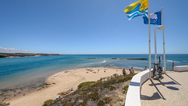 Nove praias do concelho de Odemira com bandeira azul