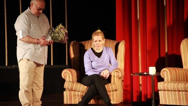 """""""Porta com Porta"""" em exibição hoje no Teatro Pax Julia"""