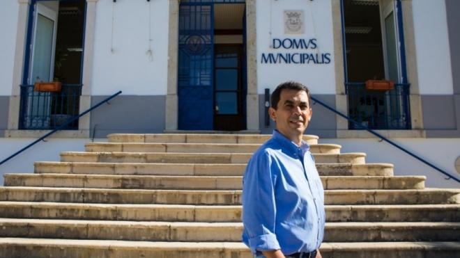 """COVID19: """"Temos estabelecido um laço permanente de diálogo com as pessoas"""", diz António José Brito"""