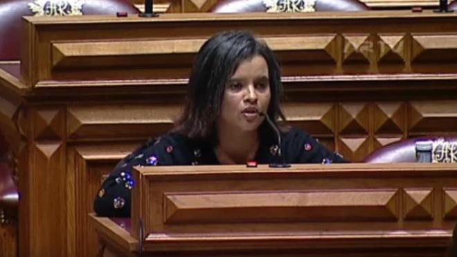 Nilza de Sena questiona ministro da Educação sobre escolas do distrito de Beja