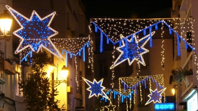 Em Moura a iluminação de Natal já brilha