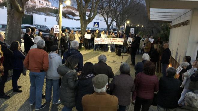 Comissão de Utentes de Beja saiu à rua em vigília em defesa da saúde