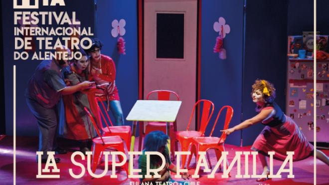 """FITA propõe peça de teatro """"La Super Família"""""""