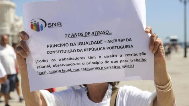 Funcionários dos registos em greve até sexta-feira