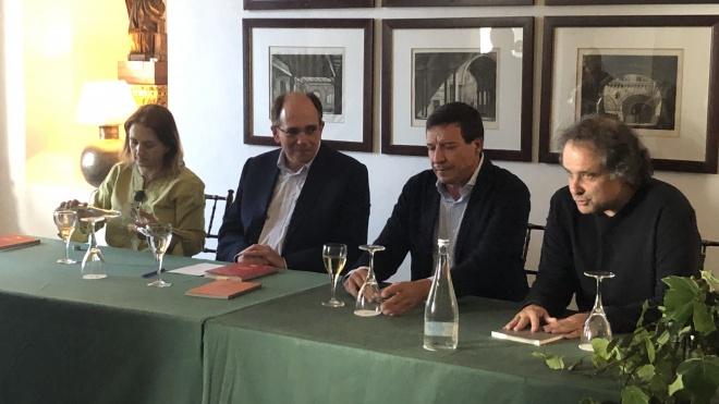 """Luís Mira Coroa lança """"Versos Regados"""" em Beja"""