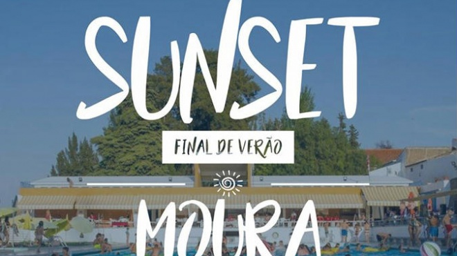 """Sunset-final de verão"" na Piscina de Moura"