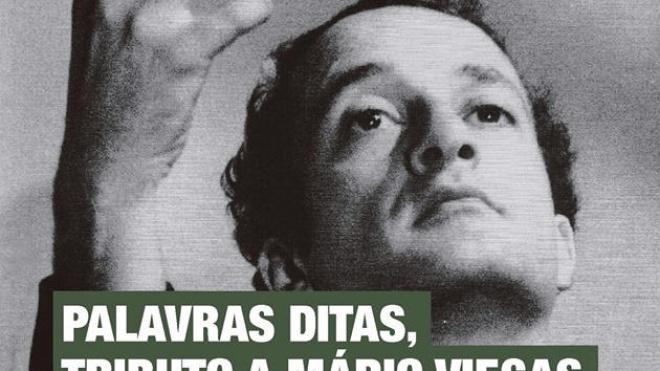 Performance literária dedicada a Mário Viegas na Biblioteca de Beja