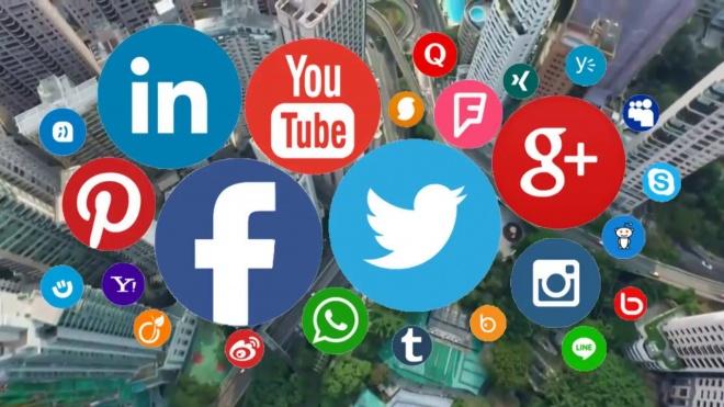 """Sessão """"Perigos Associados à Internet"""" na Escola D. Manuel I"""