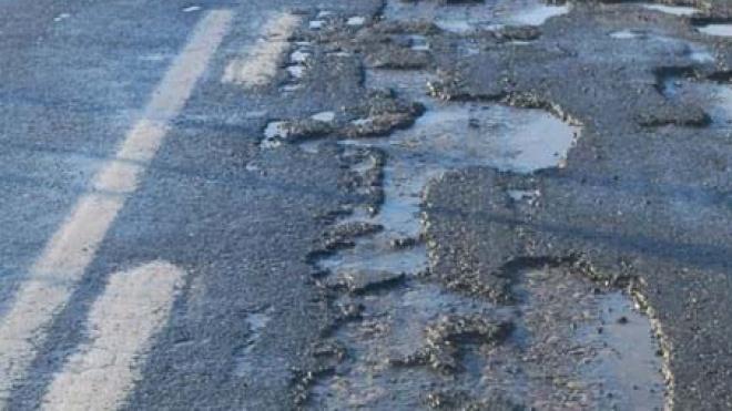 Estradas do distrito de Beja com buracos, fissuras e falta de asfalto