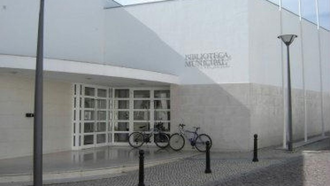 """Biblioteca de Cuba acolhe a exposição """"CORPUS"""""""