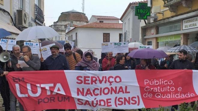 Comissão de Utentes de Beja nas ruas da cidade em defesa da saúde na região