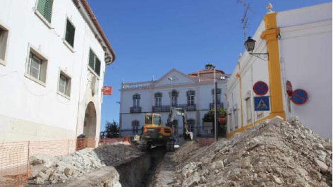 """Castro Verde diz que está a fazer """"obra histórica"""" na rede de águas da vila"""