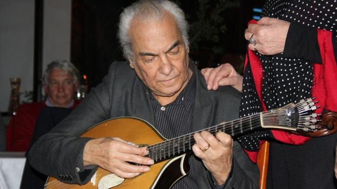 Morreu Carlos Gonçalves, guitarrista de Amália Rodrigues