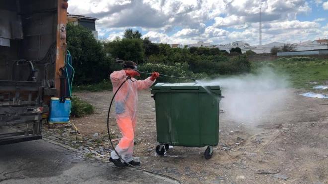 Município ferreirense desinfeta todos os contentores de lixo do concelho