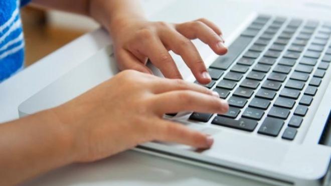 EDIA distribuiu 64 computadores por 9 instituições de solidariedade e escolas de região