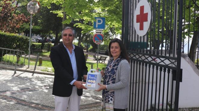 ACVCA oferece gel desinfectante à Cruz Vermelha Portuguesa