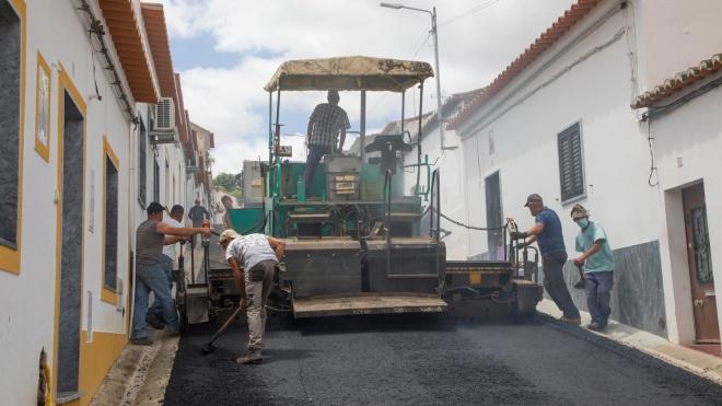 Câmara de Moura prossegue obra de reabilitação de pavimentos