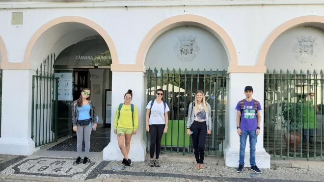 Vidigueira integra jovens na limpeza e conservação do património do concelho