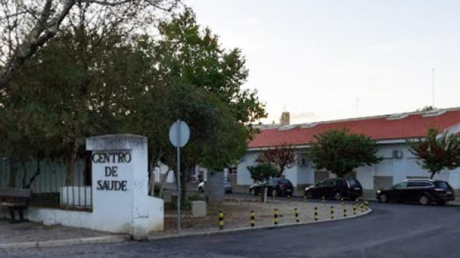 Utentes de Ferreira do Alentejo exigem retoma das consultas presenciais