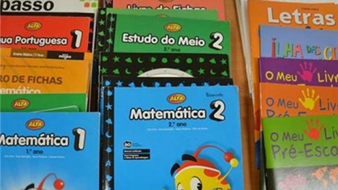 Ourique oferece livros de fichas aos alunos do Ensino Básico
