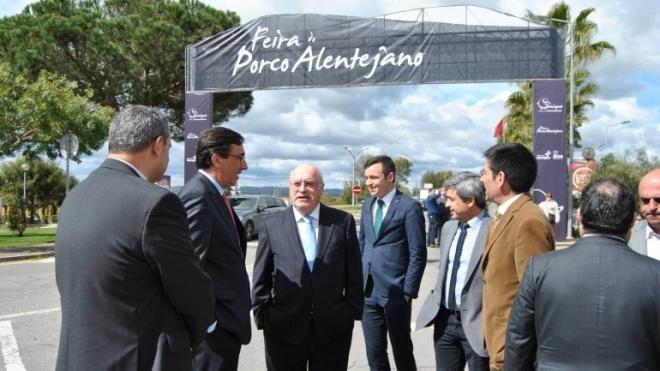 Capoulas Santos na Feira do Porco Alentejano