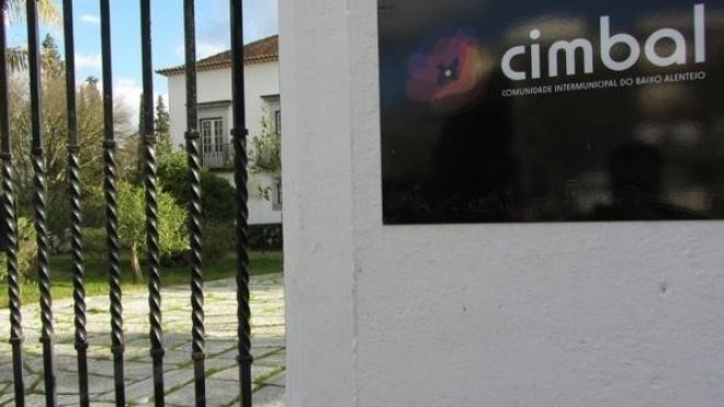 CIMBAL recebe reunião sobre Roteiro para a Descentralização