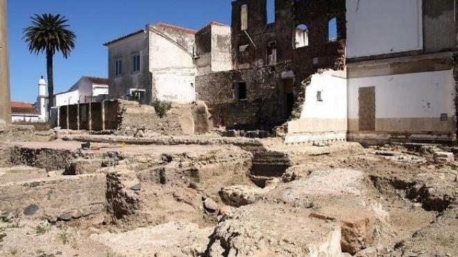 Escavações no logradouro do CRBA retomadas