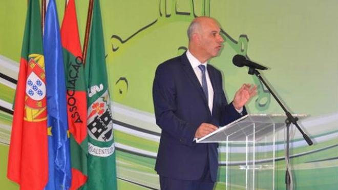 Pita Ameixa aposta no desenvolvimento económico